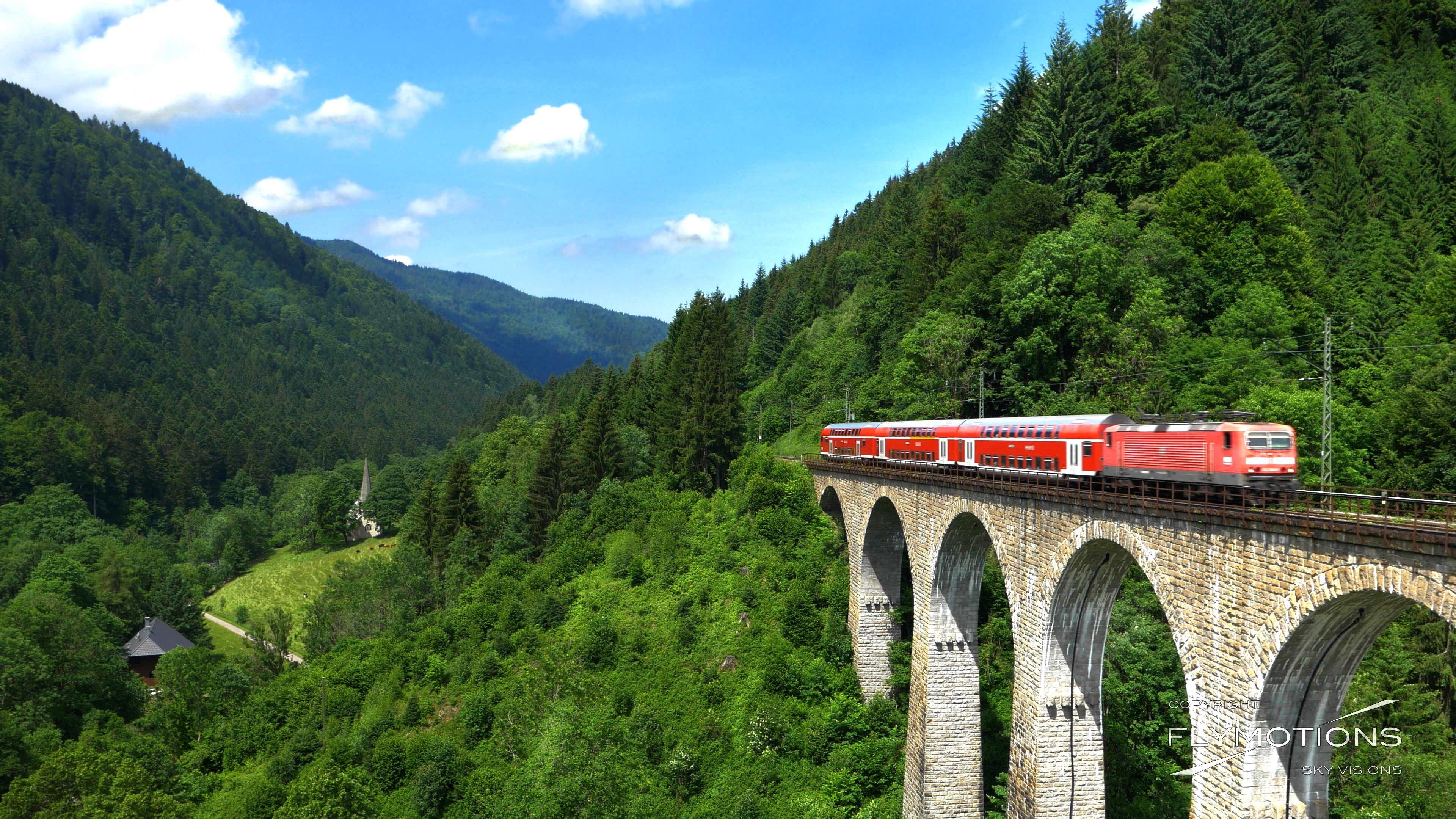 Höllentalbahn Höllental Schwarzwald Eisenbahnbruecke Ravennabrücke Kirche Luftaufnahme